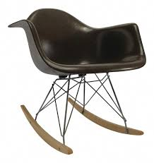 Vintage Eames Rocking Chair - ELLEDecor.com #RockingChair ... Vitra Eames Plastic Armchair Rar Dark Maple Vitra Miniature Offwhite La Chaise The Conran Shop Lar Black Competion Win An Rocking Chair From Rocking Chairs Whats Their Story Original Herman Miller Parchment Arm Shell Chair Dr Wong Wire History Fniture History Exam 3 Flashcards Reac Japan Design Interior Collection 112 Lounge Ottoman