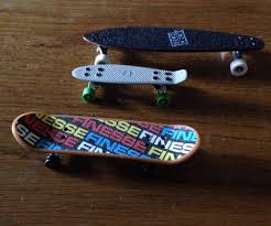 Tech Deck Finger Skateboard Tricks by How To Pop Shove It On A Tech Deck 3 Steps