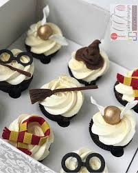 awesome harry potter cake cake pops and cupcakes