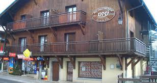 chalet des pistes school ski trip accommodation