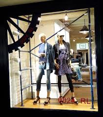 These Displays Are Featured In The Window Of A Polo Ralph Lauren Store Structure Emulates Scaffold And Is Attached To Ground Using Standard