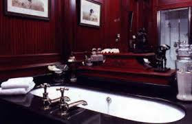 antike bäder antikes badezimmer alte technik waschtisch 1900
