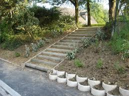 faire un escalier dans un talus de design unique