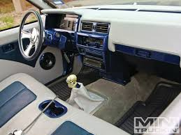Custom Square Dash Interiors [Archive] - Infamous Nissan - Hardbody ...