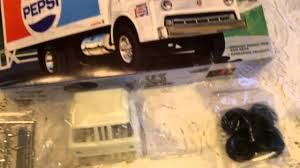 Model Review AMT Pepsi Truck - YouTube