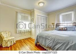 antikes schlafzimmer möbel töne möbliert hartholz