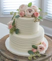 A Very Special Weekend At Cake With Fresh FlowersWedding