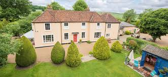 100 Farm House Tack So Many Opportunities At Refurbished Farmhouse In Wood End