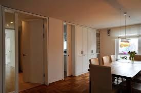 der einbauschrank trennt küche esszimmer modern