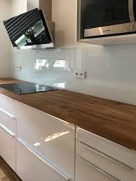 maßgefertigte küchenrückwände und arbeitsplatten aus glas