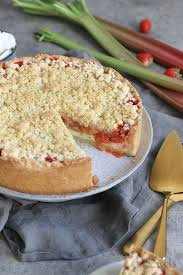 rhabarber erdbeere pudding streuselkuchen
