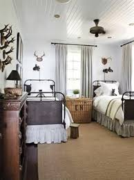 Simple And Elegant Bedroom Decorating Ideas