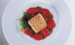 cuisiner pavé de saumon poele de saumon sauvage de loire à la poêle par alain ducasse