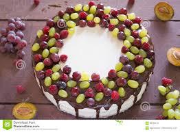 kuchen mit trauben stockfoto bild frische traube