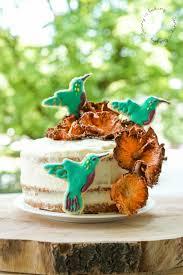 exotischer hummingbird cake mit banane und ananas