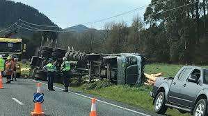 Driver Dodges Flying Logs After Truck Crashes Near Rotorua | Stuff.co.nz
