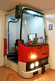 bureau d ado etagere chambre ado un bureau dado dans un avant de etagere