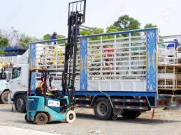 100 26 Truck Rayong Thailand January 2018 And Lift In Factory