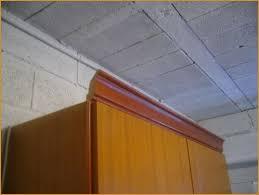 corniche cuisine pose meuble cuisine meilleure vente corniche en bois pour meuble