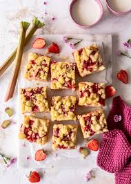 erdbeer rhabarber streuselkuchen