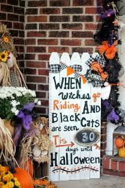 Metal Halloween Yard Stakes by 30 Best Outdoor Halloween Decoration Ideas Easy Halloween Yard