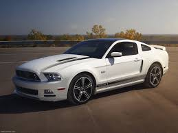 Ford Mustang GT 2013 picture 10 of 46