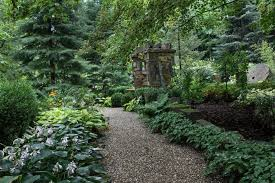 Ways to Landscape with Stone and Mulch