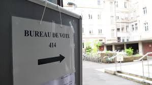 bureau de vote strasbourg may 7 2017 bureau de vote sign in city