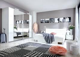 idee tapisserie chambre idee papier peint chambre idee tapisserie chambre adulte tendance