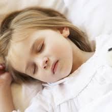 a quel âge bébé dort sans couche