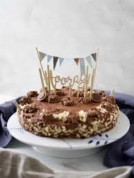 schokocrossies torte mit schoko fudge glasur