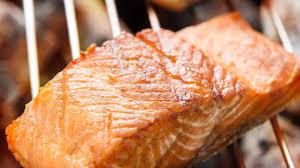 cuisiner filet de saumon recette de filet de saumon grillé foodlavie