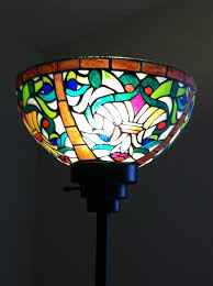 Tiffany Style Lamps Canada by Diy Tiffany Lampshade Sharpies Tiffany And Glass