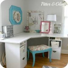craft room corner desk this would be in the guest bedroom in