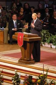 Bellevue Baptist Church Singing Christmas Tree 2013 by At Bellevue Baptist Thousands Say Goodbye To Adrian Rogers U0027til