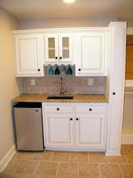 Contemporary Small Basement Kitchen Tittle