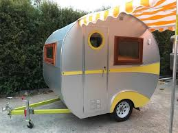 This Is A Super Cool Vintage Style Camper Tiny Light And Easy To Tow