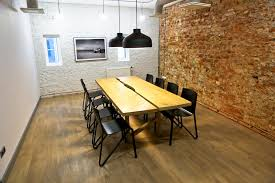 chambre nordique chaises relevées à la chambre nordique de riga latvia