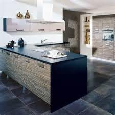 cuisines chez but carrelage noir cuisine superbe couleur mur de cuisine