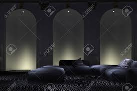 graceful beleuchtet gewölbte wandnische akzente in einem luxus wohnzimmer innenraum mit bequemen modernen modularen sitzgruppe