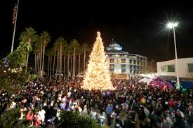 Oaklands Tree Lighting Ceremony Attracts Thousands East Bay Times