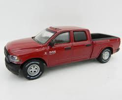 1:64 Maroon 2017 Dodge RAM 2500 Crew Cab Pickup Truck W/TOW HITCH ...