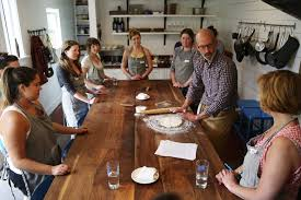 Seattleites swamp hands on cooking classes