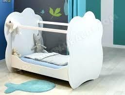 chambre bebe en solde lit bebe au sol lit maison junior bonnesoeurs pour chambre enfant
