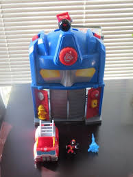 Transformers Heroes Rescue Bots Playskool Fire Station Optimus Prime ...