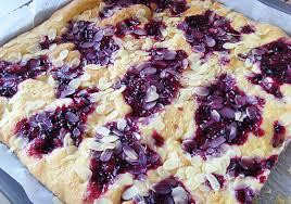 rezept butterkuchen mit roter grütze stadt land lifestyle