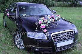 décoration voiture de mariage fleurs ivoire