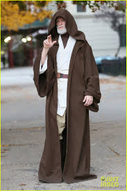 Halloween Wars Host 2015 by Neil Patrick Harris Looks Unrecognizable As Obi Wan Kenobi For
