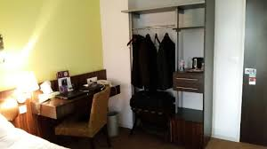 chambre et chambre et sa salle de bain d époque picture of mercure alencon