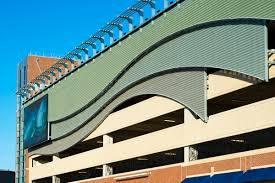 What are some typical standards for parking garage functional